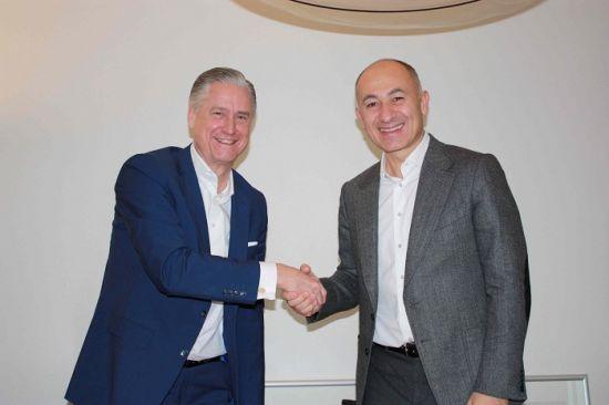 Amsterdam ArenA CEO'su Henk Markerink, Amsterdam ArenA, CEO'su Henk Markerink, Rönesans Holding Başkanı Dr. Erman Ilıcak, Rönesans Holding Başkanı, Dr. Erman Ilıcak,