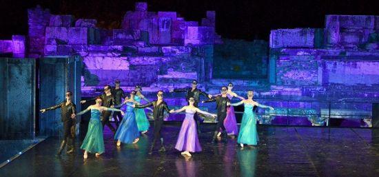 Efes'te Romeo ve Jülyet keyfi, Mahall Bomonti izmir, Efes Antik Tiyatro, Türkerler Holding,