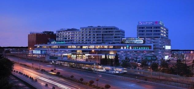 Sur Yapı Vitrin ve Axis İstanbul projelerinde teslime başladı