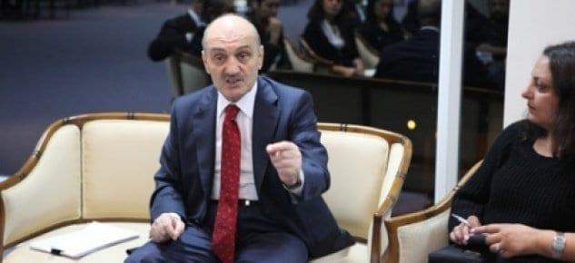Erdoğan Bayraktar: Akmerkez'de plana aykırılık varsa durdururuz