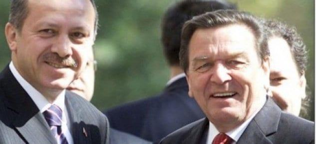 Almanya eski başbakanı Bodrum'dan ev aldı