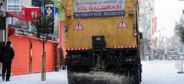 Bağcılar'da buzlanmaya karşı 800 ton tuz stok edildi
