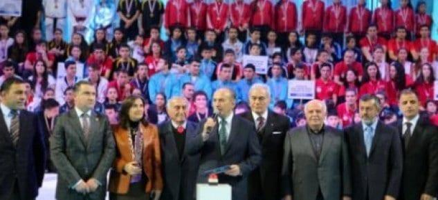Büyükşehir'den 60 yeni spor salonu