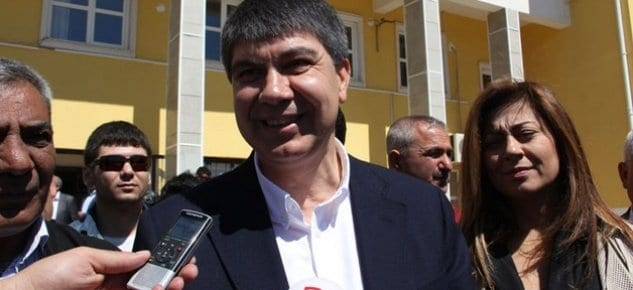 Antalya'da Türel zaferini ilan etti