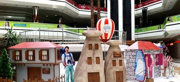 Cevahir Avm ziyaretçilerine tatil havası yaşatıyor