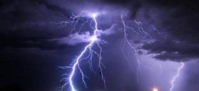 Fırtınalı Hava'da yıldırımdan korunma yöntemleri