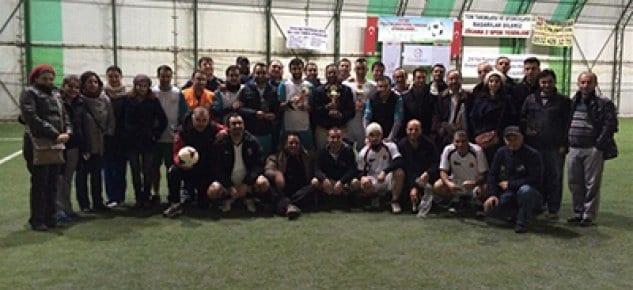 216 Yapı Siteler Arası Futbol Turnuvası'nın kupaları verildi