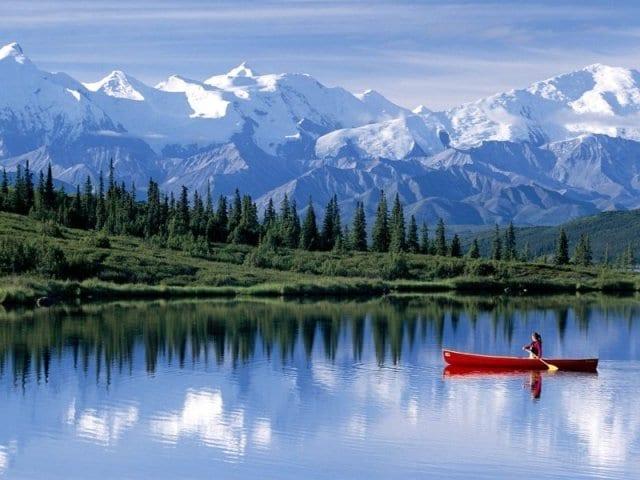 Alaska Göl Manzarası