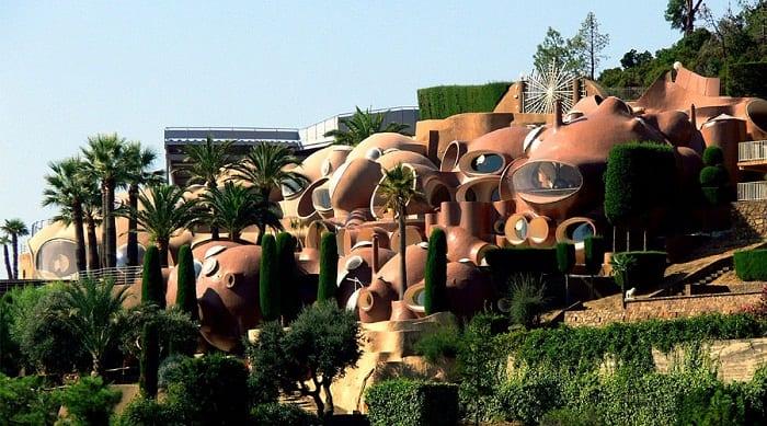Dünyanın En Tuhaf Tasarıma Sahip Evleri
