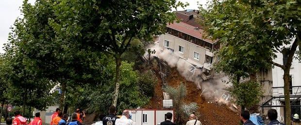 Beyoğlu'da 4 Katlı Bina Çöktü