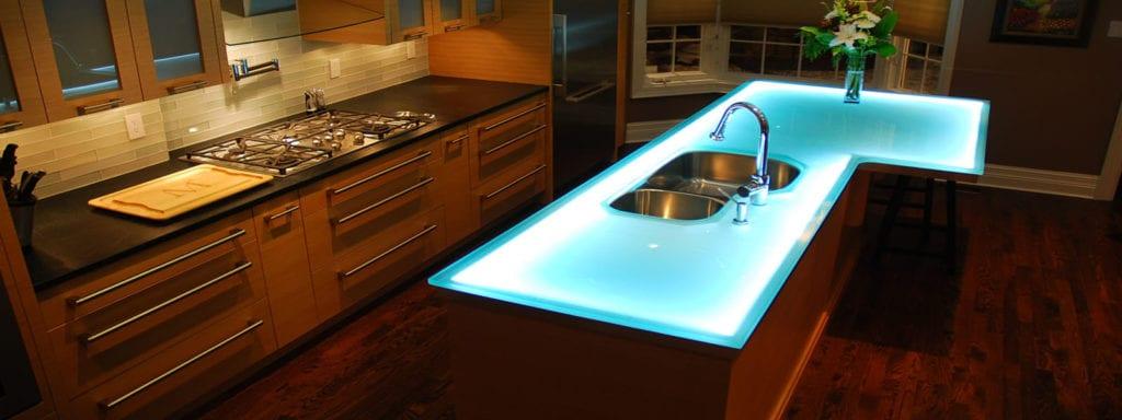 Cam mutfak tezgahı