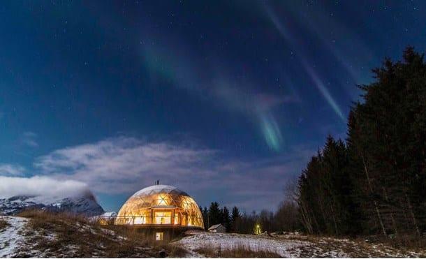 Kuzey Işıklarının Altındaki Ekolojik Ev