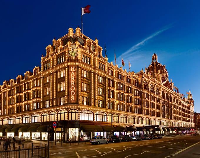 Londra'nın En Lüks Alışveriş Mağazası Harrods'ta 21 Milyon Dolar Harcayan Kadın Kim?