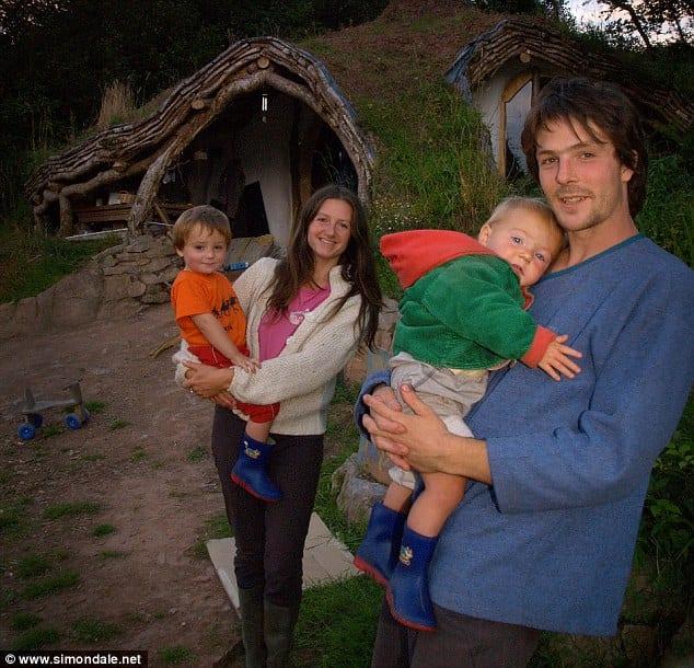 Simon Dale ve ailesi
