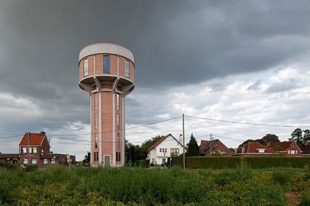 Su kulesi ev